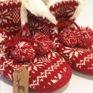 Forever 21 Scandinavian Fair Isle Knit Slippers